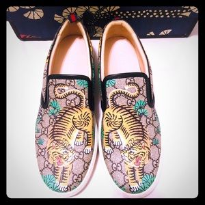 c1b331f2a09 Gucci. GUCCI BENGAL TIGER GG Supreme Slip On Sneakers